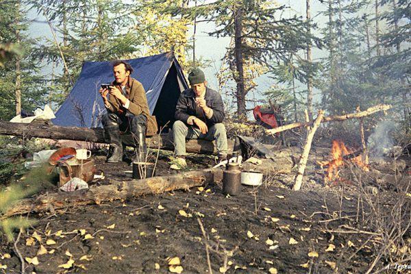 По дороге к вулкану. Утро в лагере.