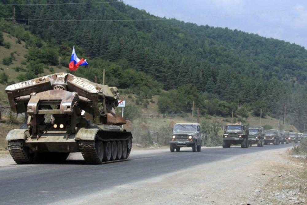 9 августа в зону конфликта были введены дополнительные подразделения 58-й армии и подразделения воздушно-десантных войск. Грузия сообщила о бомбардировках своих позиций российскими самолетами. Российские войска вступили в бои на Зарском направлении, разблокируя дорогу, ведущую к Цхинвалу с севера.
