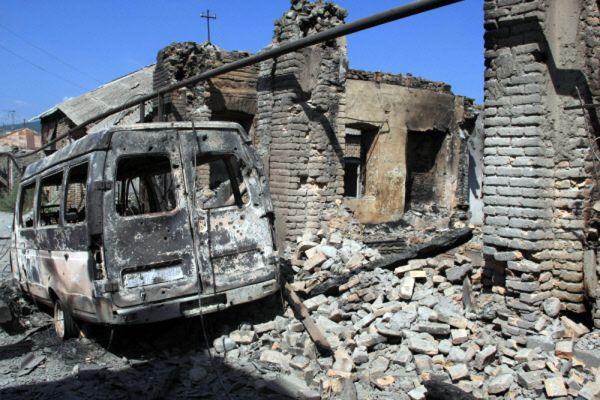10 августа МИД Грузии передал в посольство РФ ноту, в соответствии с которой президентом Грузии был отдан приказ с 5.00 10 августа прекратить боевые действия и огонь, а также указывалось, что вооруженные силы Грузии выводятся из зоны конфликта.