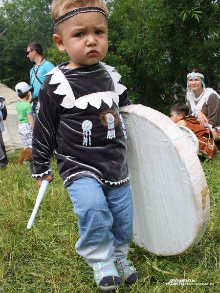 Юного артиста публика не отпускала, малыш был в восторге от выступления на сцене!