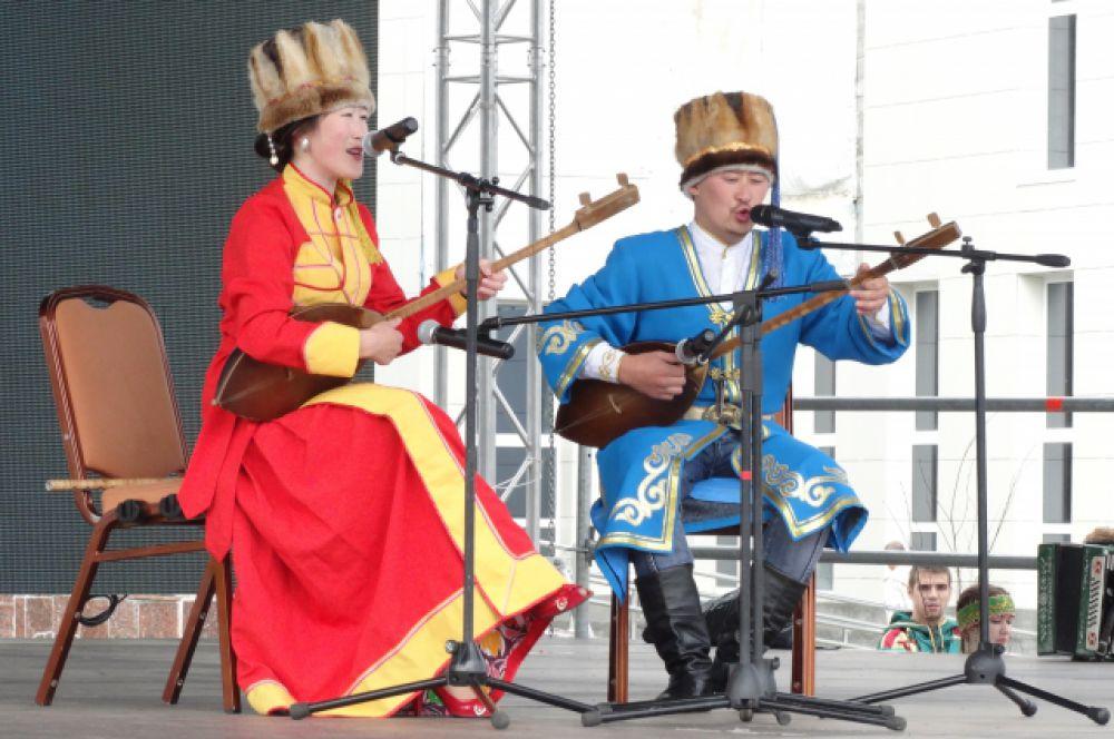 Творческий дуэт из Алтайского края.