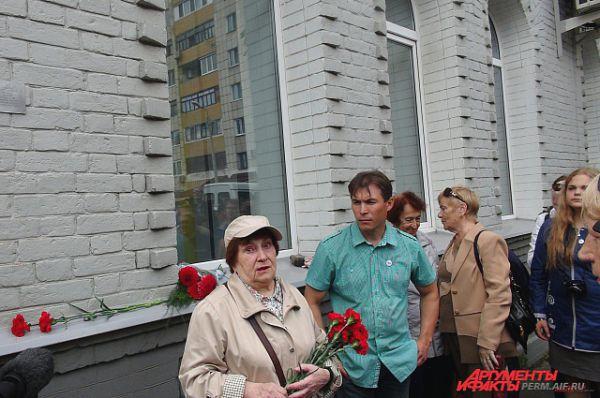 Инициатором установки мемориальной таблички в честь Георгия Хрипунова стала его внучка