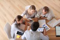 МФЦ Подмосковья берегут драгоценное время бизнесменов: специалисты готовы сами выехать в офис и помочь с документами.