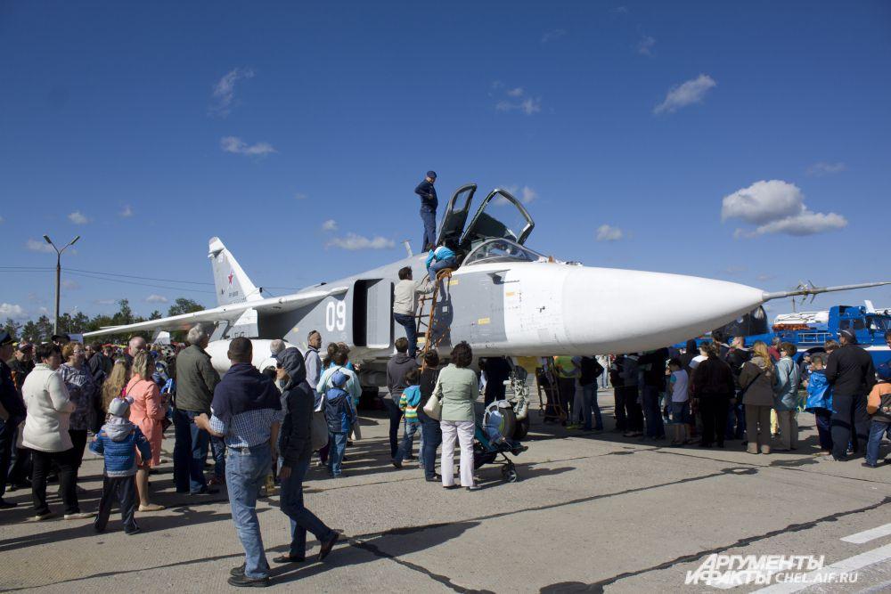 гости праздника могли почувствовать себя штурманами МиГ-31.