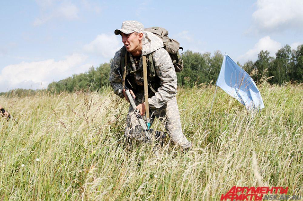 Однако игры - это не военные действия и поэтому в тылу противника вывешен белый флаг.