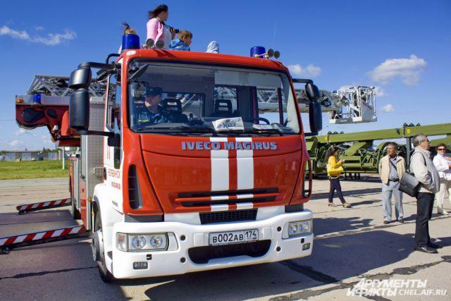 Спускать пенсионерку пришлось с помощью пожарной автолестницы