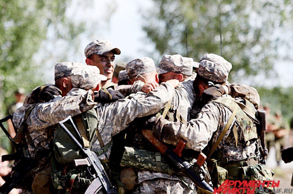 В этом этапе игр победила российская команда представляло её новосибирское высшее военное училище.