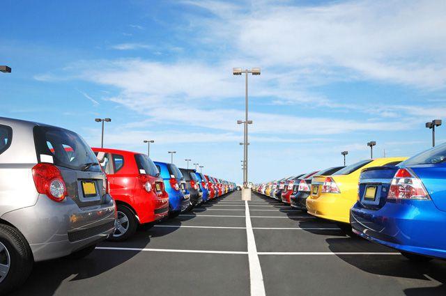 Какие машины покупают омичи?