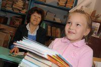 Почти все школьные библиотеке в омской области полностью укомплектованы.