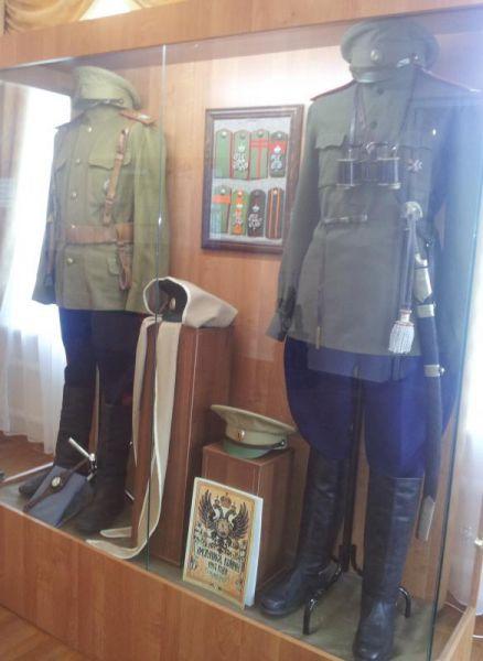 Варианты казачьей офицерской формы периода I мировой войны.
