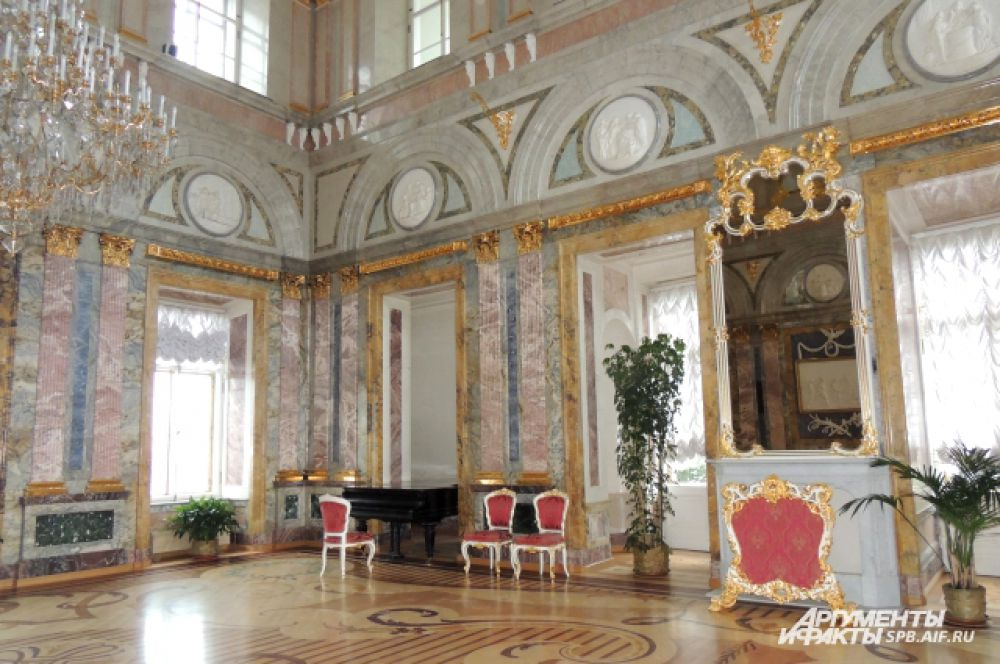 Мраморный зал скоро откроется для посетителей.