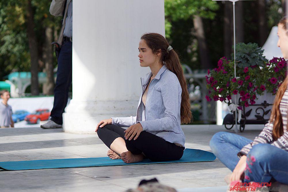 Какой индийский праздник без йоги?