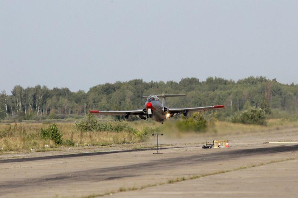 Авто-авиашоу «Крылья Сибири» в Омской области.