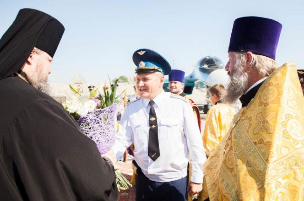 В рамках празднования Дня Военно-воздушных сил России, глава Волгодонской епархии епископ Волгодонский и Сальский Корнилий совершил чин освящения самолётов морозовского авиационного полка.