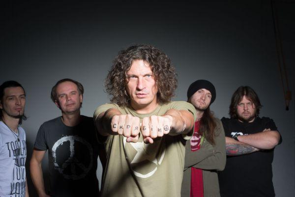 В 2008 году создал группу «Пающие трусы» и был первым продюсером группы «DZIDZIO»