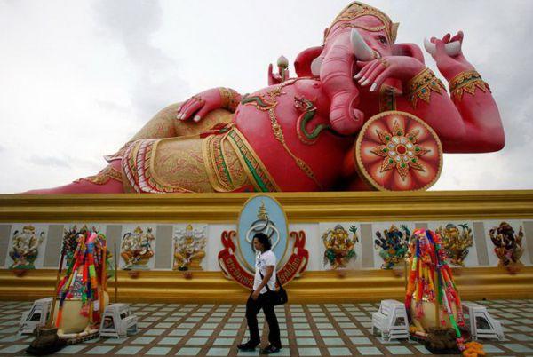 Индуистский бог Ганешу (неподалеку от Бангкока).