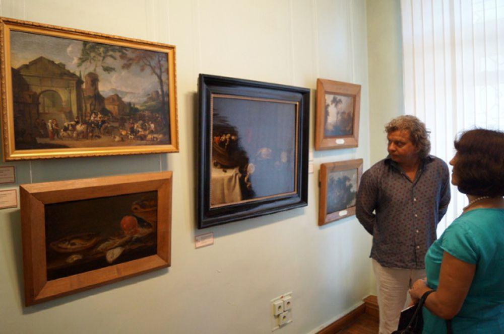 Тихая жизнь голландского натюрморта застыла в ожидании человека