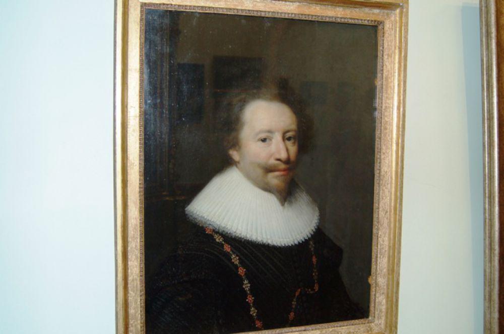 Мужской портрет. Автор: Равестейн Ян-Антонис ван (1572 - 1657). Дерево, масло. Из собрания Приморской государственной картинной галереи
