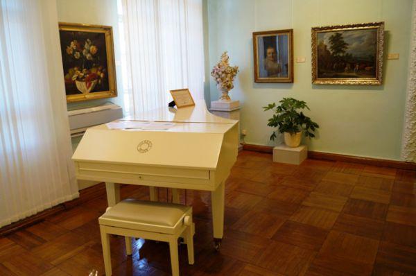 В Хабаровске выставка открылась после того, как полгода работала во Владивостоке