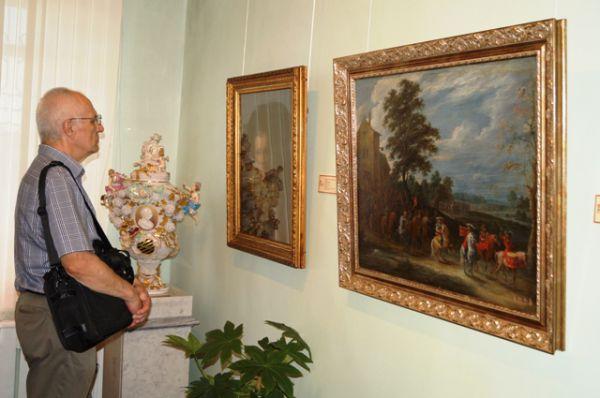 Картины из архивов двух дальневосточных городов дополняют друг друга