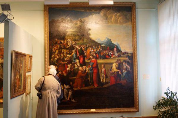 На выставке собраны живопись, графика и скульптура, переданные  двум музеям в 30-е годы прошлого века Эрмитажем