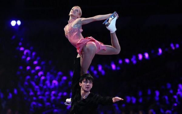 Федерация спортивных журналистов России 18 декабря 2013 года  наградила фигуристов «Серебряной ланью» как лучших спортсменов года.