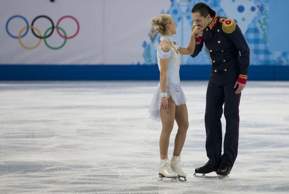 Впервые пара вышла на лед на российских соревнованиях  в Перми в 2010 году на третьем этапе Кубка России, который они сразу и завоевали. В 2011 году пара пополнила число побед, заняв первое место на чемпионате России.