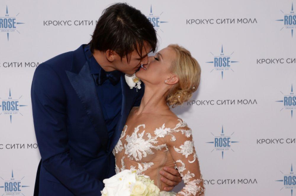 Татьяна Волосожар и Максим Траньков встречаются с 2012 года. 11 февраля 2015 года пара объявила о своей помолвке. А 18 августа они поженились.