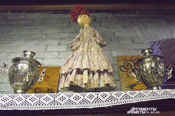 На самовар насаживали куклу, чтобы дольше сохранить тепло.
