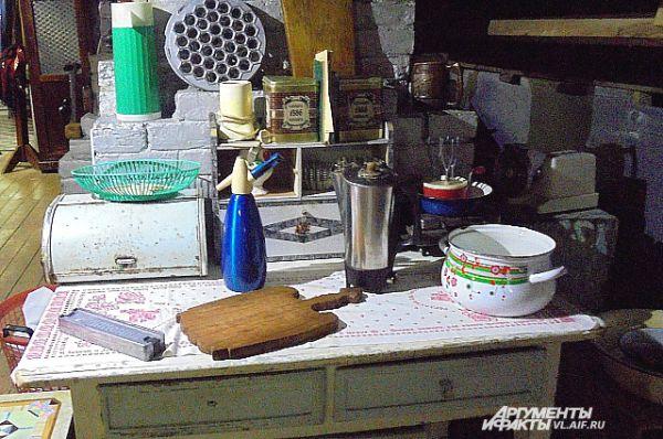 Обычная кухня времён СССР.