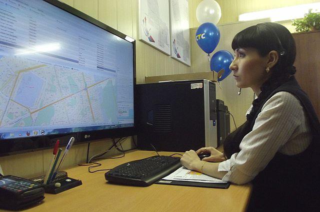 Диспетчеры следят за каждым автобусом в режиме онлайн.