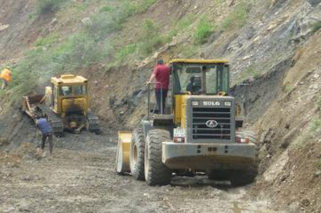 Дорожные службы приступили к восстановлению дороги Карпинск-Кытлым