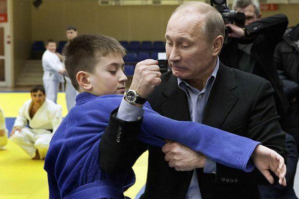 24 января 2012 года. Владимир Путин на тренировке по дзюдо в Кемерово.