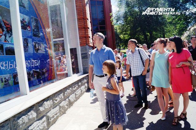 Фотовыставка о работе спасателей МЧС открылась в Новосибирске