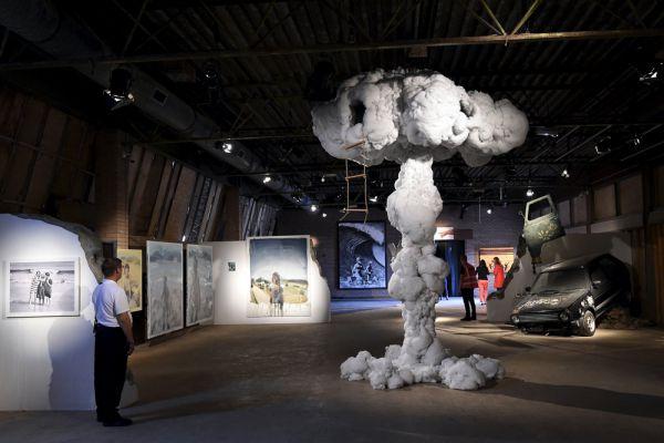 Сам уличный художник тогда так прокомментировал событие: «Это первая моя выставка, когда деньги налогоплательщиков потрачены на то, чтобы развесить мои работы на стенах, а не соскрести их с них».
