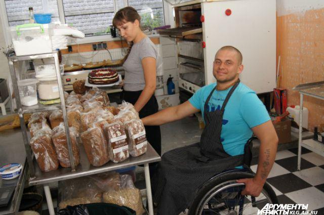 Всё начиналось на обычной кухне, сейчас это целое производство, а Русаковы - его «сердце».