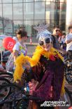 Верка Сердючка собственной персоной! Кстати, именно этот костюм стал победителем велозаезда, его маскарадной части.