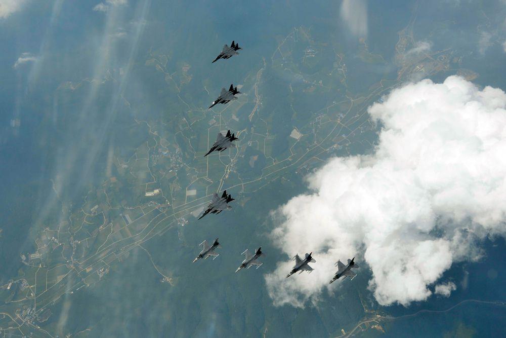 Истребители ВВС Южной Кореи и США.
