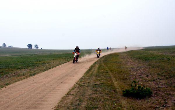 Мотоциклисты.