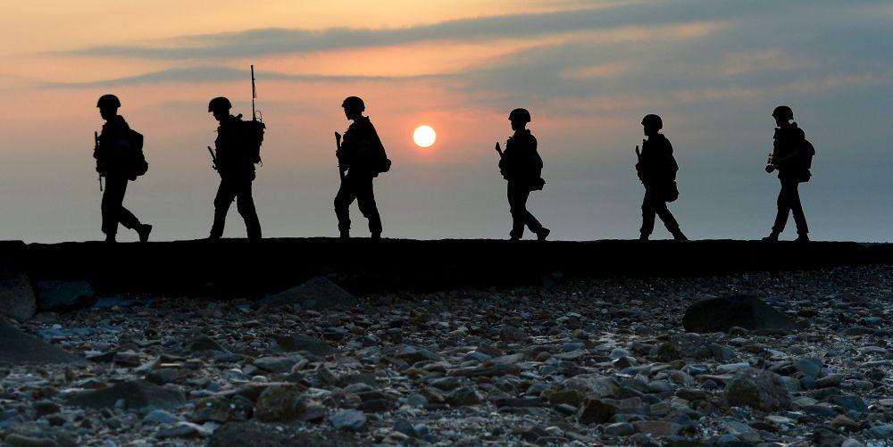 Вооруженные солдаты южнокорейской армии.
