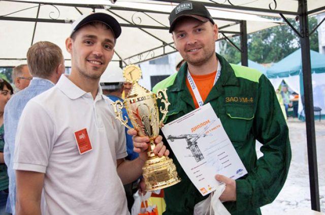 Омский машинист башенного крана признан лучшим в России.