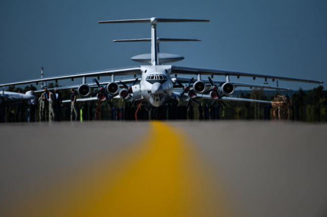 Самолёт Ил-76.