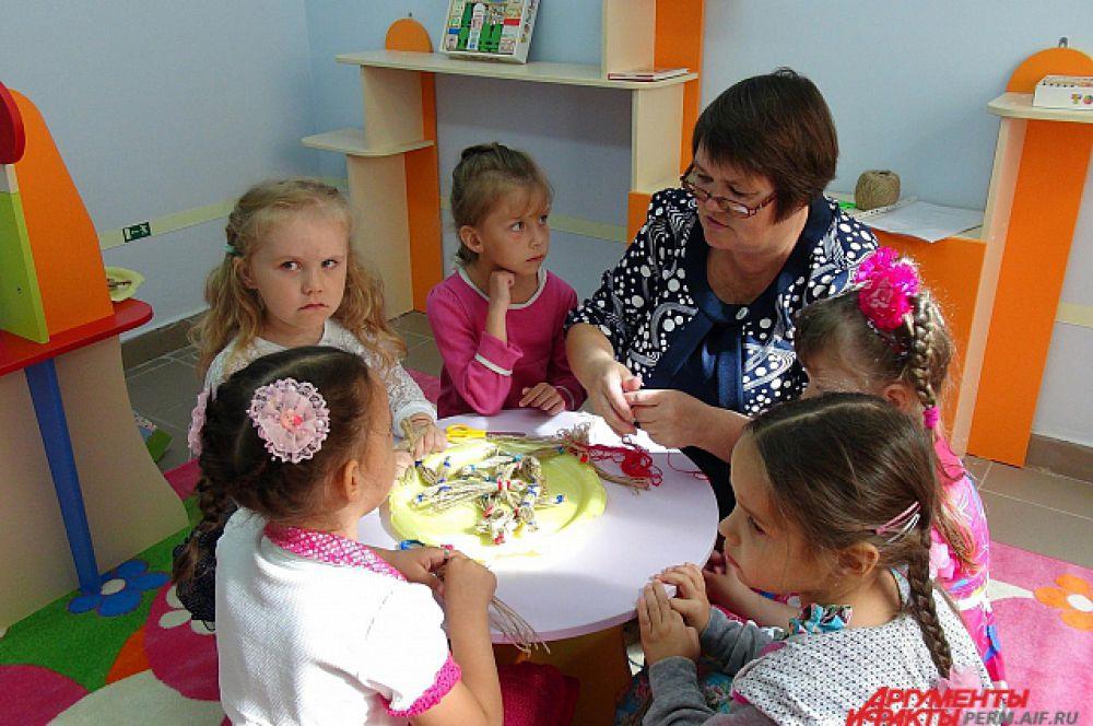 Гордость открытого детсада -  медицинский кабинет с изолятором, процедурный кабинет, залы для музыкальных и физкультурных занятий.