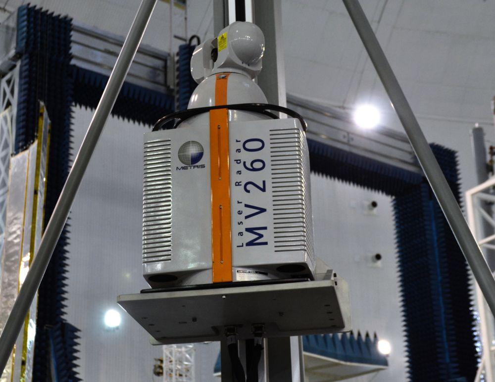 Для того, чтобы запозицировать в цеху все детали с точностью до 0,05 мм, применяется лазерный радар