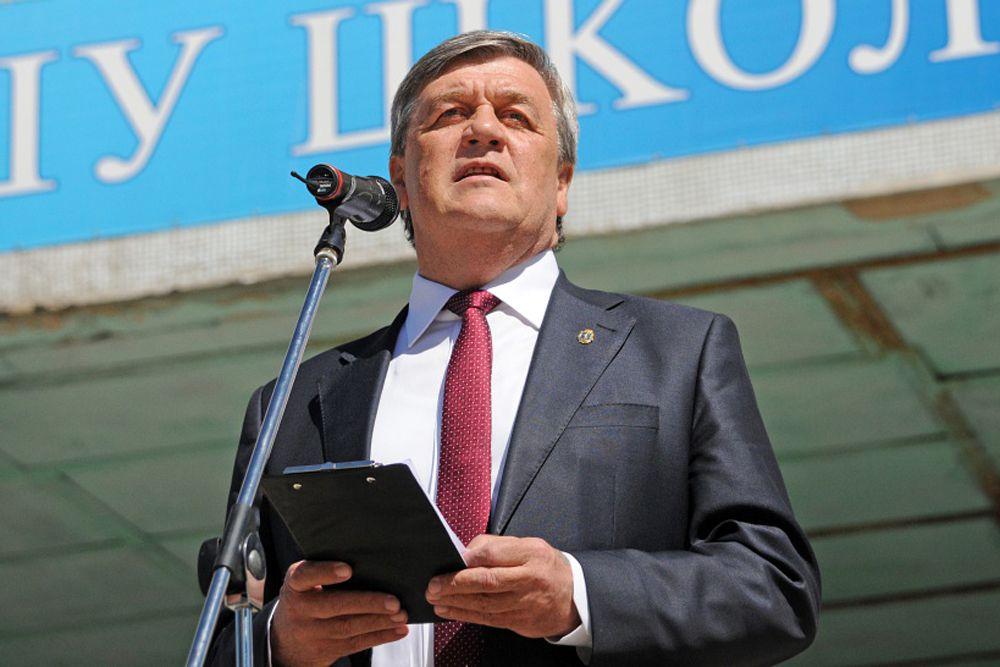 На втором месте оказался мэр Белгорода Сергей Боженов.