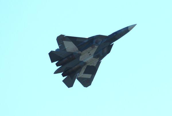 Самолет Т-50.