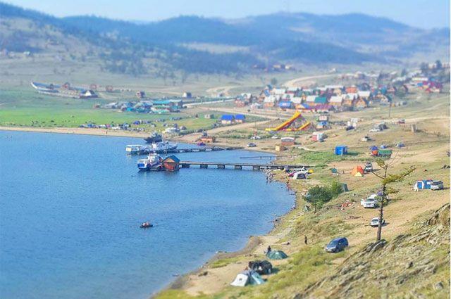 Самый большой вред озеру причиняют люди.