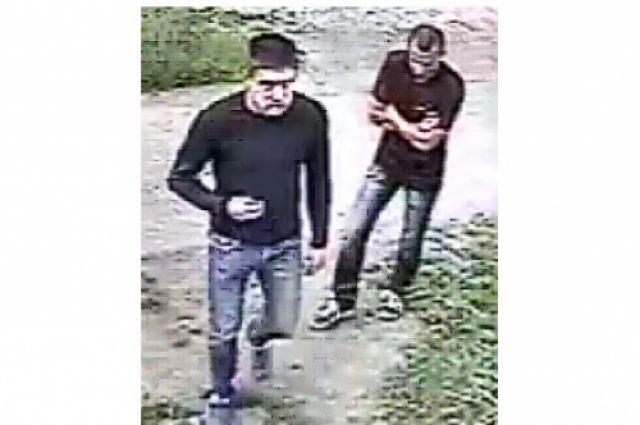 Подозреваемые попали в объектив камеры.