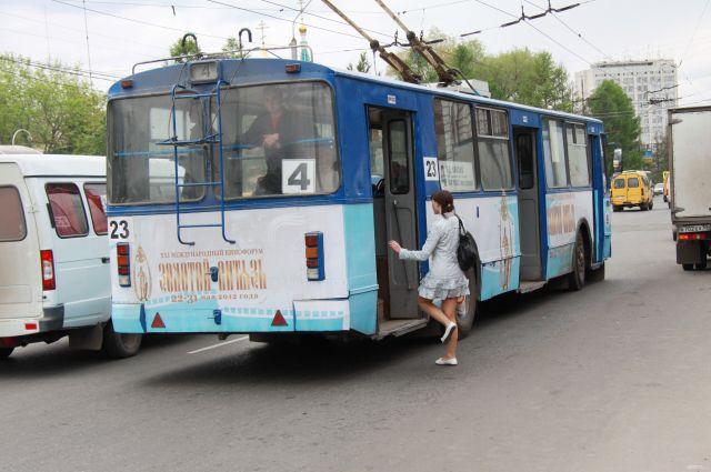 В ДТП пострадала пассажирка троллейбуса.