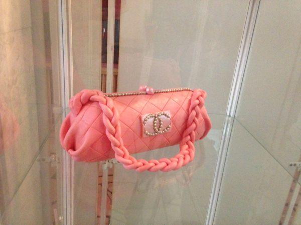Аппетитная дамская сумочка.